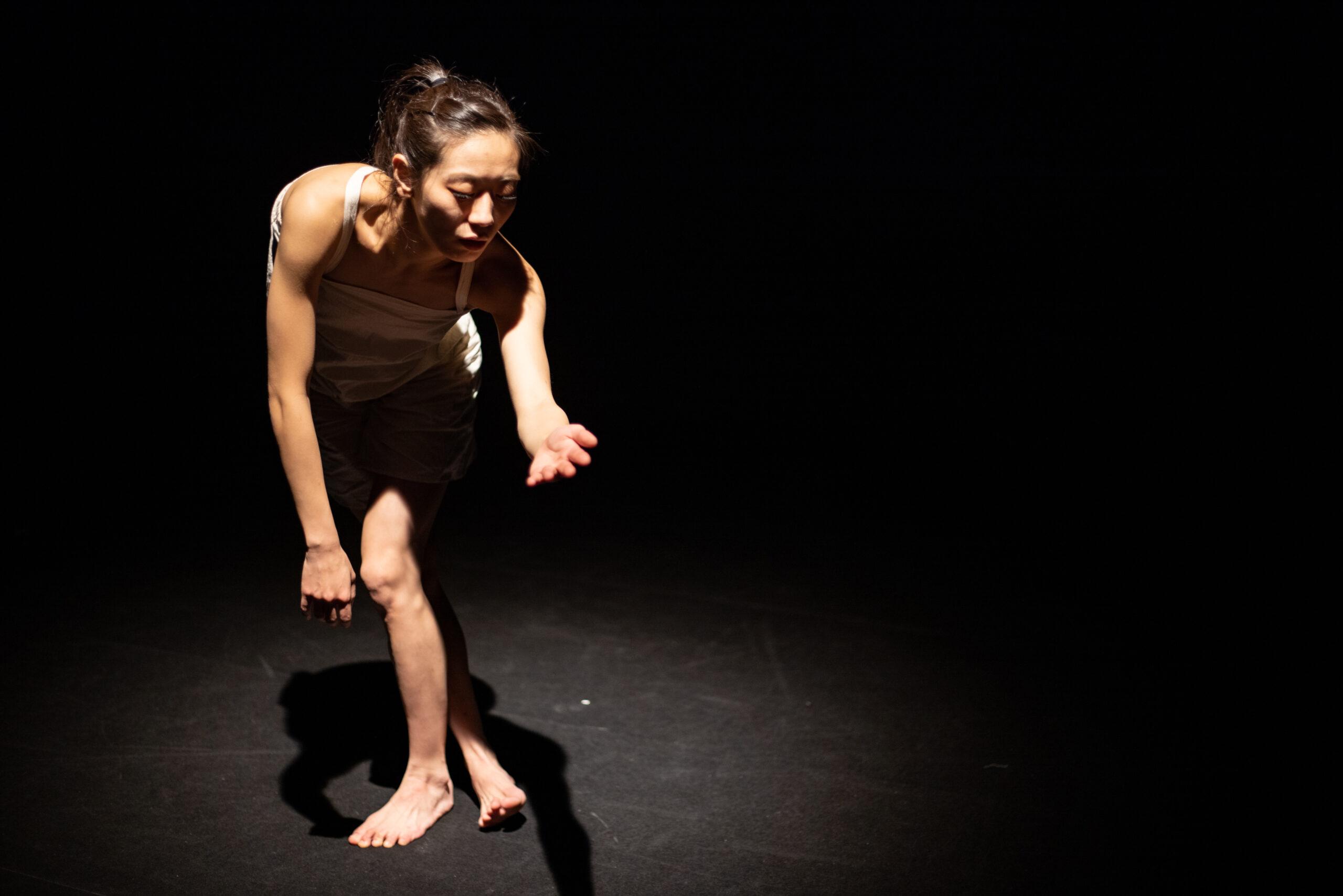 斉藤綾子ソロダンス公演『書くとか歩くとか』舞台写真
