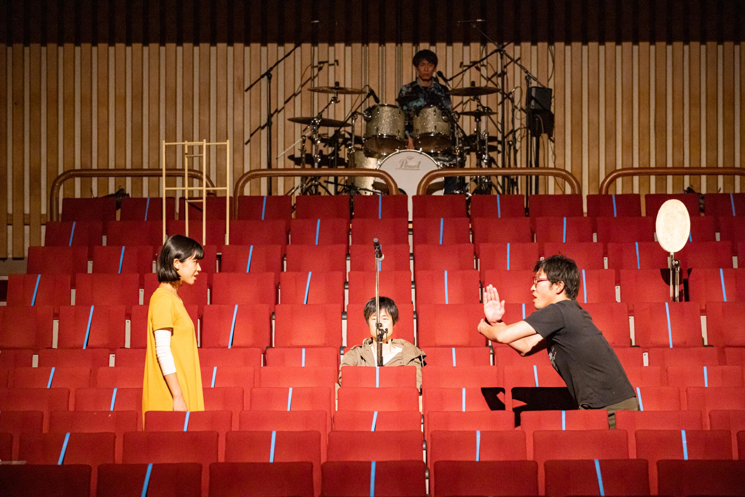 news | ルサンチカのウェブサイトに『GOOD WAR』の舞台写真を掲載していただいています。